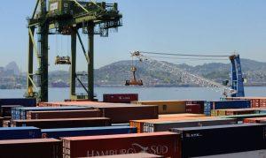 Read more about the article Brasil tem superávit comercial recorde de US$6,6 bi em agosto