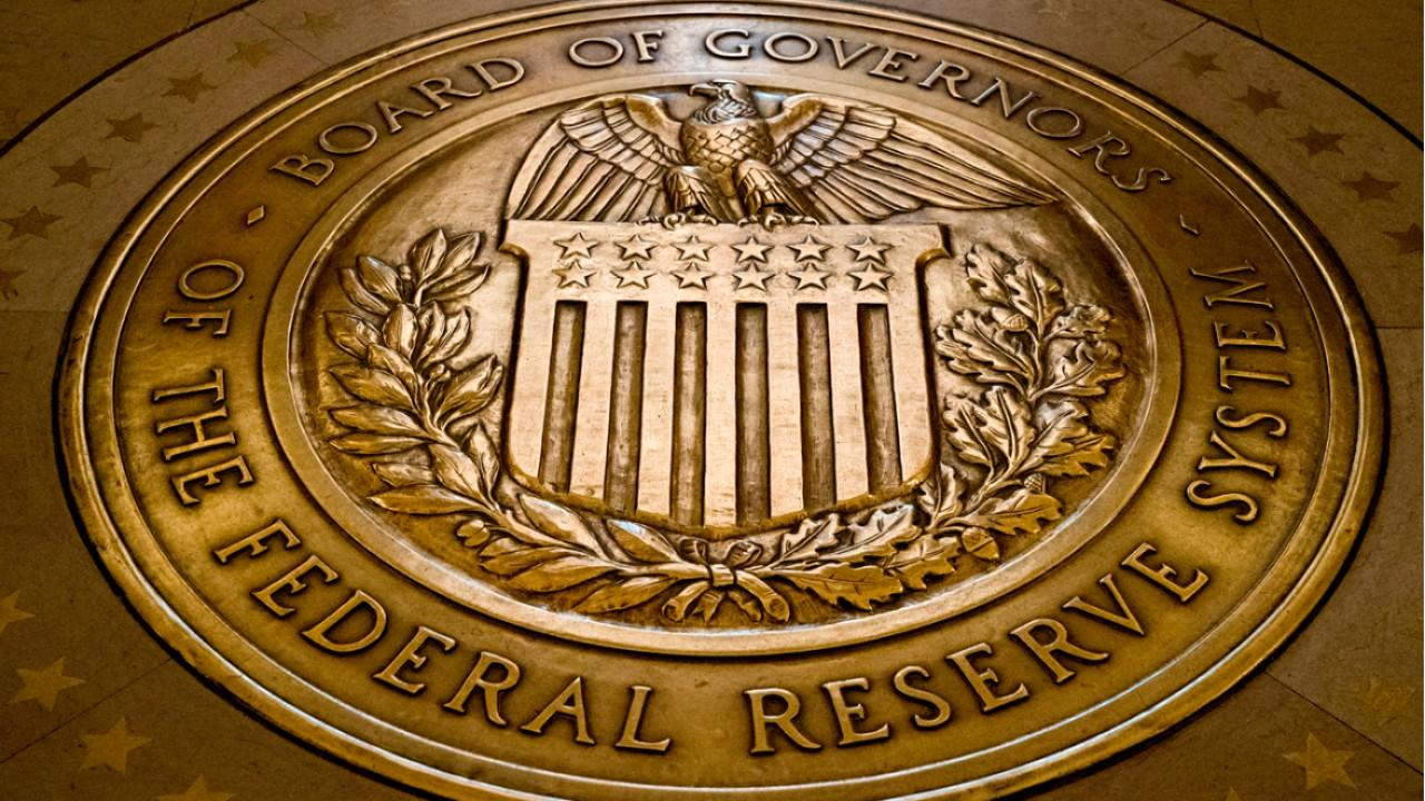 Read more about the article Fed se reúne em meio a aumento de casos da Covid-19 e temores com inflação